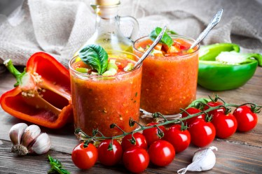 Drinks_Juice_Tomatoes_469817
